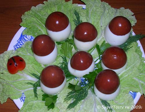 Фото. Закуска фаршированные яйца-грибочки.