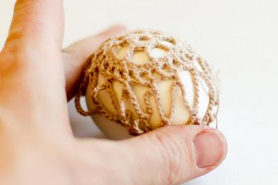 Яйца, обвязанные крючком. Рис17