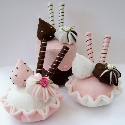 Открытки с днем пирожных. Угощайся!: www.supertosty.ru/pozdravleniya/prochie_prazdniki/den_pirozhnyh